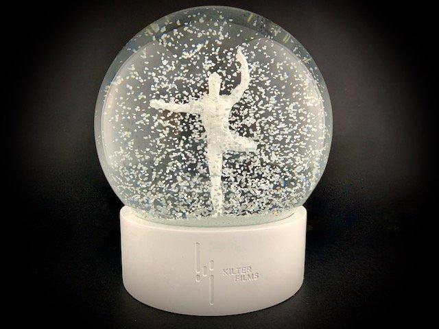 Westworld-snow-globe-1