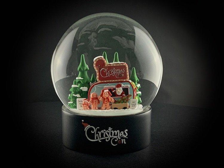 CHRISTMAS-CON-SNOW-GLOBE_6078