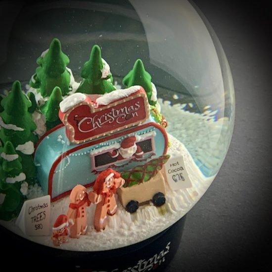 Chirstmas Con Custom Snow Globes