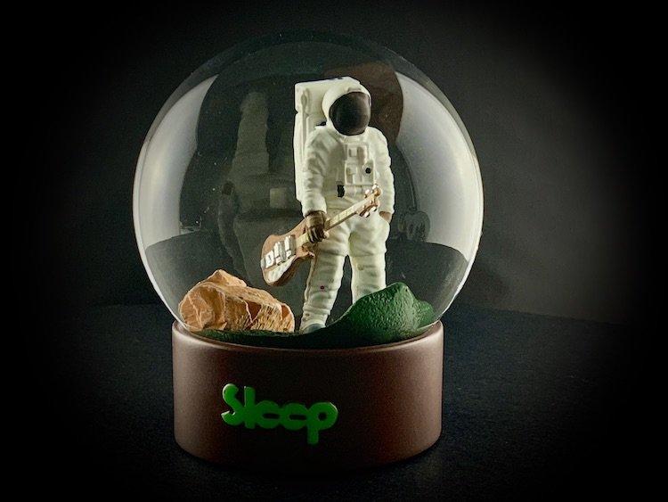 SLEEP-SNOW-GLOBES_6077