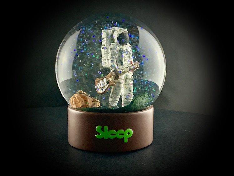 SLEEP-SNOW-GLOBES_6083